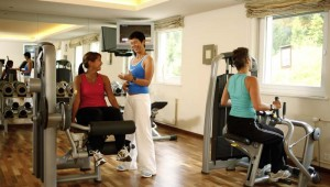 ROBINSON Club Arosa Fitnessraum mit Personal Coach und Groupfitness