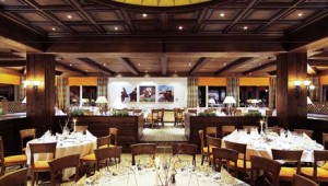 """ROBINSON Club Arosa Restaurant mit spannender """"Front Cooking"""" Küche"""
