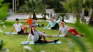 CLUB MAGIC LIFE Africana Imperial Fitnessprogramm am Morgen im Garten
