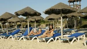 CLUB MAGIC LIFE Africana Imperial kostenlose Liegen und Schirme am Strand