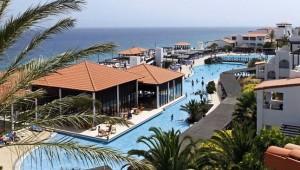 CLUB MAGIC LIFE Fuerteventura Imperial Überblick über die Anlage mit Pool