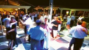 ROBINSON Club Nobilis Party in der Discothek mit großer Tanzfläche