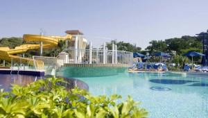 ROBINSON Club Pamfilya großzügige Poollandschaft mit Rutschen und Whirlpool