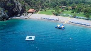 ROBINSON Club Camyuva Strand und Schwimminsel im Meer für Gäste