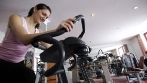 ROBINSON Club Alpenrose Zürs Fitnessraum mit Groupfitness und Personal Coach