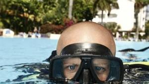 ROBINSON Club Jandia Playa Schnupperkurs im Pool mit der Tauchschule
