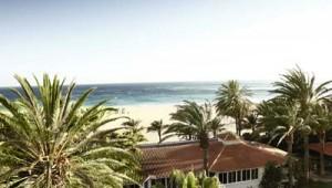 ROBINSON Club Jandia Playa Strandrestaurant und Gartenanlage mit Meerblick