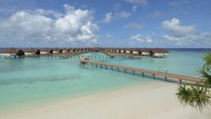 ROBINSON Club Malediven Wasserbungalows und Suiten mit Meerblick