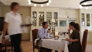 ROBINSON Club Quinta da Ria Dinner im Restaurant mit Blick auf den Garten