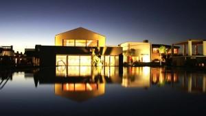 ROBINSON Club Quinta da Ria Pool und Restaurant am Abend