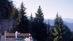 ROBINSON Club Schlanitzen Alm Terrasse des Wellnessbereich mit Ausblick