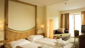 ROBINSON Club Schlanitzen Alm Doppelzimmer mit Balkon und tollem Ausblick