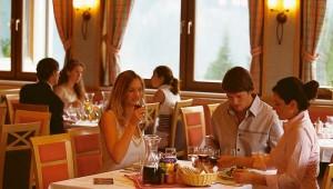 "ROBINSON Club Schlanitzen Alm Menü-Restaurant ""Kärntner Stub'n"""