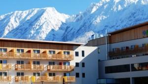 ALDIANA Salzkammergut Anblick auf den Club im Winter mit Bergen