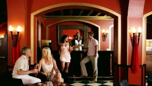 CLUB MAGIC LIFE Sharm el Sheikh Imperial Bar mit leckeren Drinks in der Lobby