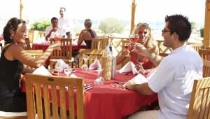 ROBINSON Club Soma Bay Restaurant auf der Terrasse mit Meerblick