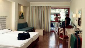ROBINSON Club Apulia Doppelzimmer Typ 1 mit Sitzecke und Balkon
