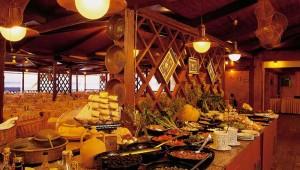 ROBINSON Club Apulia typisch italienisches Buffet mit regionalen Speisen