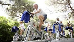 ROBINSON Club Apulia Spinning Rad im Garten mit Personal Coach
