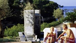 ROBINSON Club Cala Serena Entspannen in der Gartenanlage mit Meerblick