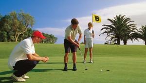 ROBINSON Club Cala Serena Golfplatz mit Golflehrer und Caddie
