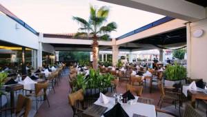 CLUB MAGIC LIFE Waterworld Imperial großes Restaurant im schönen Innenhof