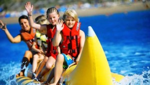 CLUB MAGIC LIFE Waterworld Imperial Bananen Boot fahren auf dem Meer