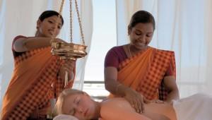 GRECOTEL Mandola Rosa Suites und Villas Indische Ayurveda Massage