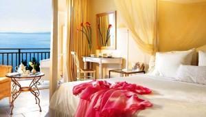 GRECOTEL Eva Palace Doppelzimmer mit Balkon und direktem Meerblick