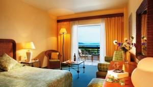 GRECOTEL Daphnila Bay Doppelzimmer mit Balkon und direktem Meerblick