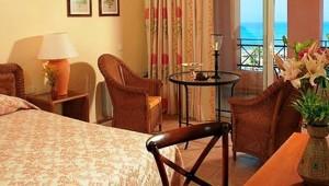 GRECOTEL Olympia Oasis Doppelzimmer mit Balkon und herrlichem Meerblick