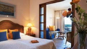 GRECOTEL Marine Palace Suites Familienzimmer mit Balkon und Meerblick