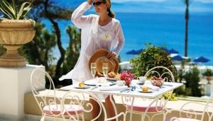 GRECOTEL Olympia Riviera Thalasso leckeres Frühstück auf der Veranda