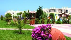 FUN CLUB Gaia Royal Village schöne Gartenanlage mit schönen Bungalows