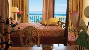GRECOTEL Mandola Rosa Suites und Villas Junior Suite mit Meerblick