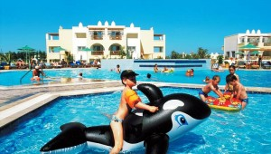 FUN CLUB Gaia Royal Village große Poolanlage mit eigenem Kinderbecken