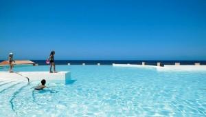 GRECOTEL Olympia Oasis Überblick über den Kinderpool und das Meer