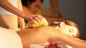 GRECOTEL Eva Palace wohltuende Massage im Wellnessbereich