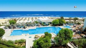 CLUB CALIMERA Yati Beach Ausblick vom Clubhotel auf den Pool und das Meer