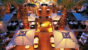 GRECOTEL Creta Palace Restaurant auf der großen Terrasse in der Gartenanlage