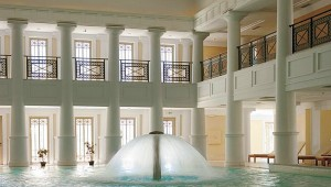 GRECOTEL Olympia Riviera Thalasso Thalasso Spa mit Pool und Dusche