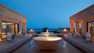 GRECOTEL Cape Sounio Terrasse und Cafe mit Meerblick am Abend