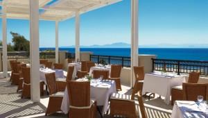 GRECOTEL Olympia Riviera Thalasso Restaurant auf der Terrasse mit Meerblick
