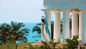 GRECOTEL Olympia Oasis Terrasse des Thalasso Spa mit tollem Ausblick