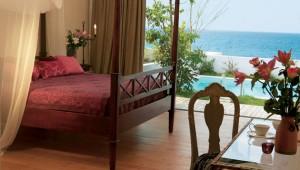 GRECOTEL Mandola Rosa Suites und Villas Zimmer mit Pool und Meerblick