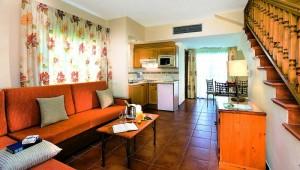 FUN CLUB Isabel Zweistöckige Villa mit Kitchenette und großem Wohnraum
