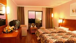 CLUB CALIMERA Serra Palace Doppelzimmer mit zwei Einzelbetten und Balkon