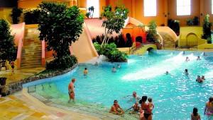 FUN CLUB Van der Valk Resort Linstow beheiztes Erlebnisbad für Groß und Klein
