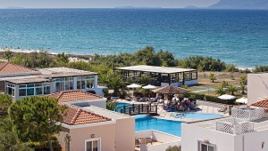 CLUB MAGIC LIFE Marmari Palace Imperial Überblick über den Pool und das Meer