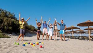 CLUB MAGIC LIFE Marmari Palace Imperial Sportanimation und Boccia am Strand